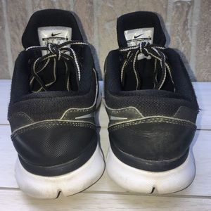 Nike Shoes - Nike Flex 2015 Run Sneakers Youth 5.5